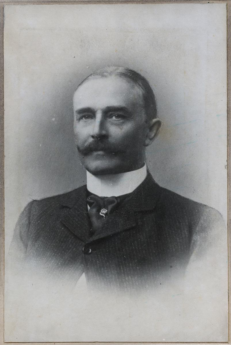 Verkställande direktör och trafikchef, Carl Wilhelm Jung.