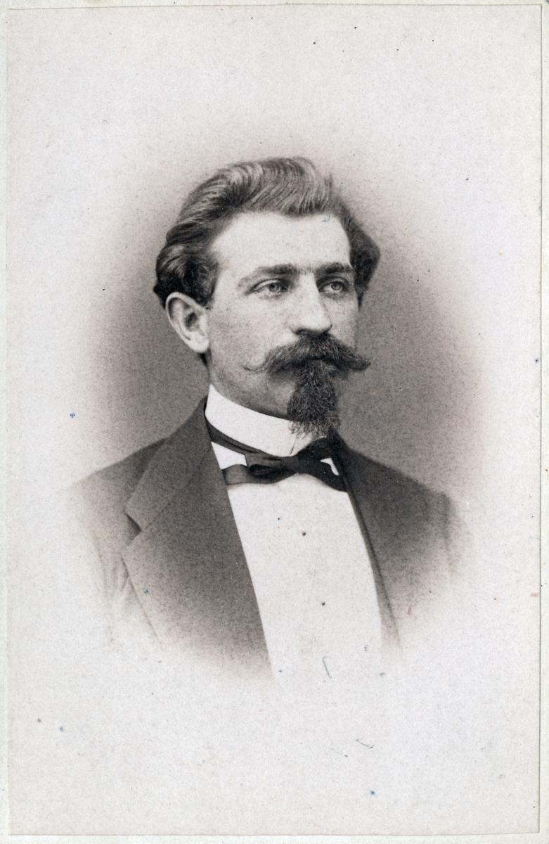 Anders Gustaf Thisell, nivellör och stationsingenjör.