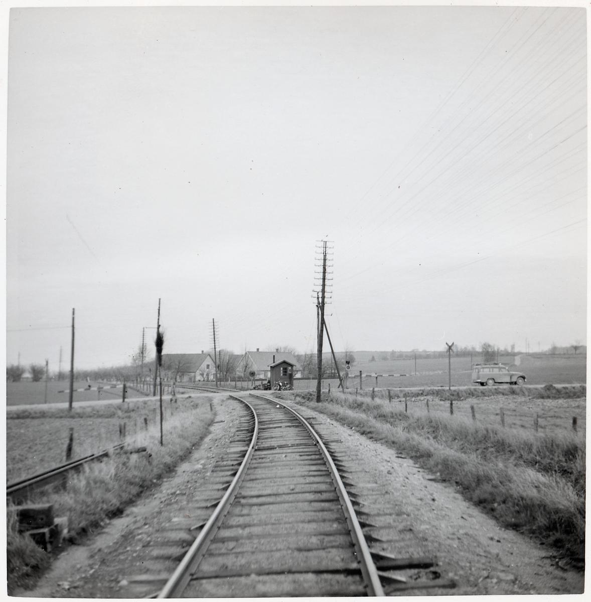 Järnvägsövergång vid Mellby, på sträckan mellan Vitaby och S:t Olof.