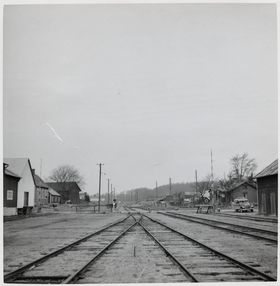 Järnvägsövergång vid bangården på S:t Olof station.