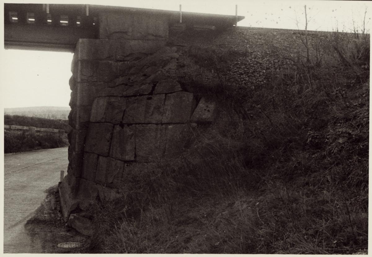 Vägport över Ramsbergsvägen på linjen mellan Storå och Stråssa.