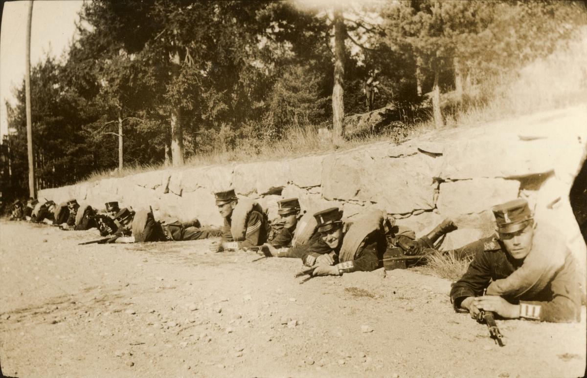 Soldater i fälttjänstövning.