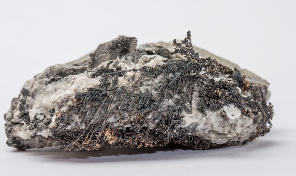 Dendrittisk sølv i kalsitt Gottes Hülfe gruve, 290 m Vekt 339,61 g