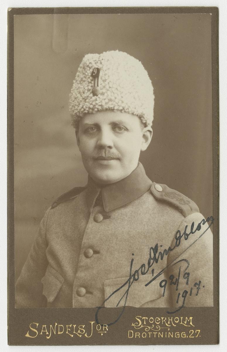 Porträtt av Joel Lindblom, soldat vid Svea livgarde I 1.