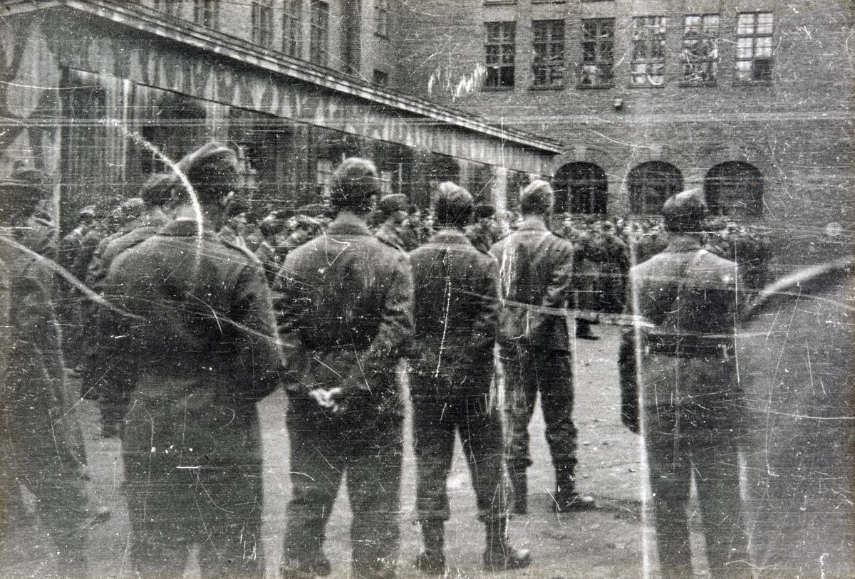Feltbataljon IV / norske polititropper dimiteres ved Akershus Festning i november 1945.