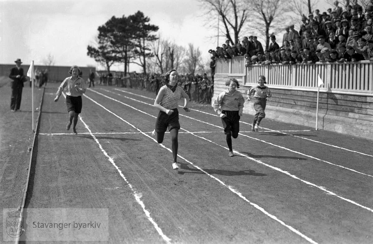 1. mai. Idrettsarrangement på Stavanger Stadion