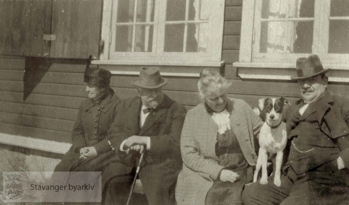 Anna og Karl Kielland, Martha og Georg T. Monsen på Ogna