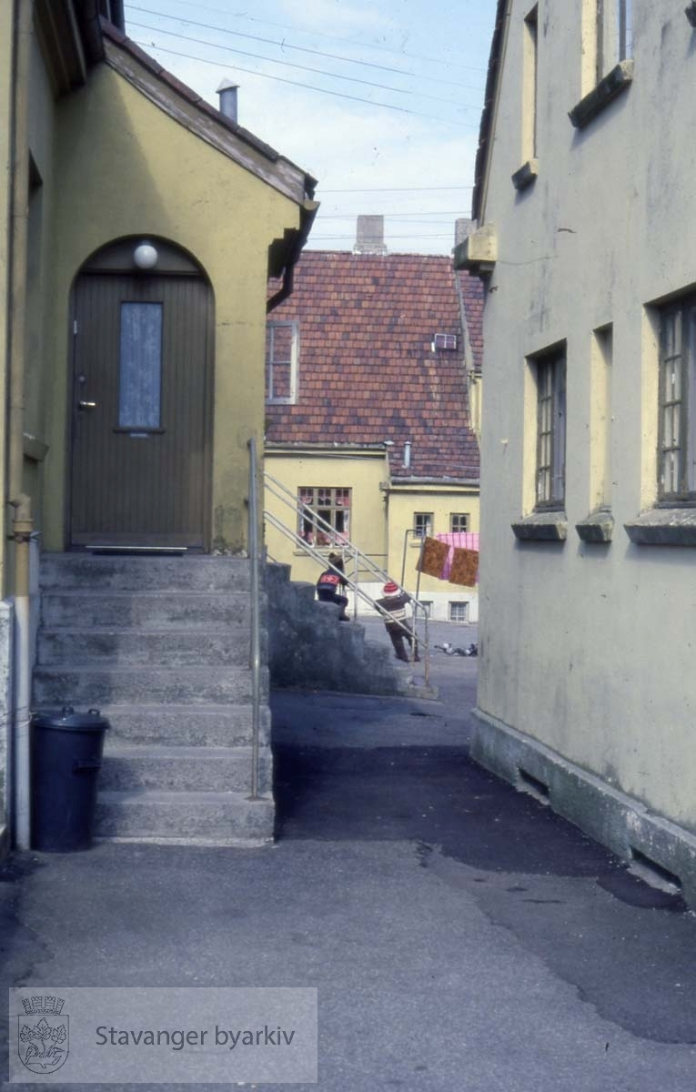 Henrik Steffens gate 29B.Niels Juels gate 68 til høyre.I bakgrunnen ??