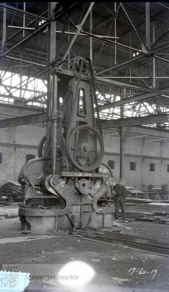 Rosenberg Mekaniske Verksted.Buøy....Merket no 37