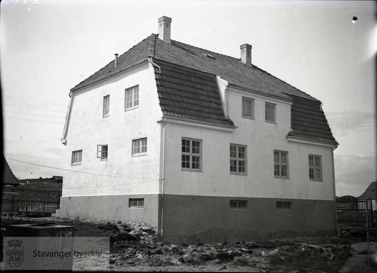 Stort murhus.Rosenberg Mekaniske Verksted.Buøy