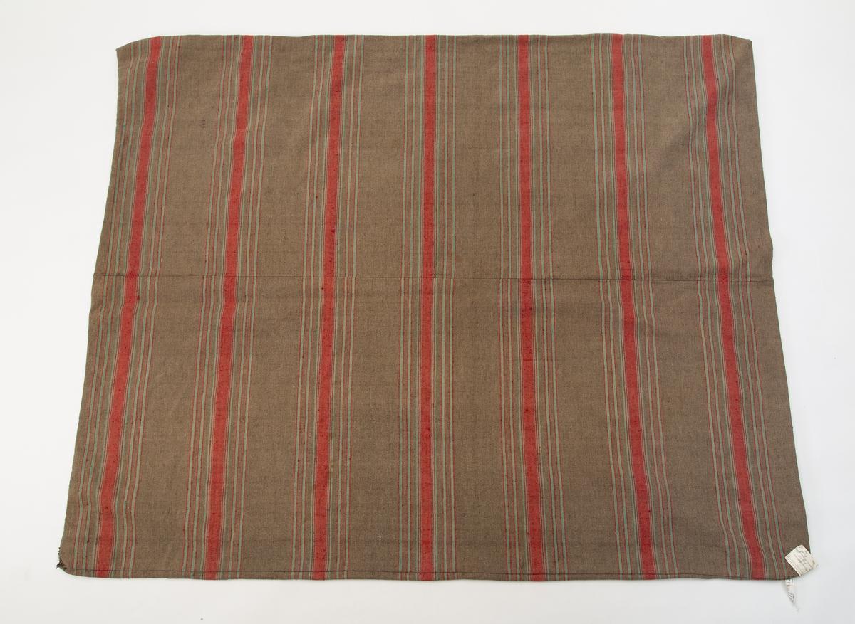 Striper i brunt, rødt og grønt.