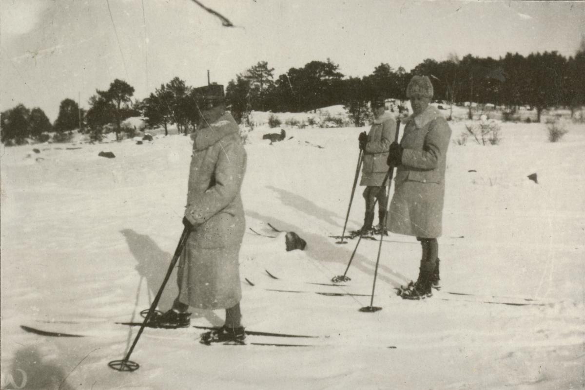 Officerare på skidor, Vaxholms grenarjärregemente I 26.