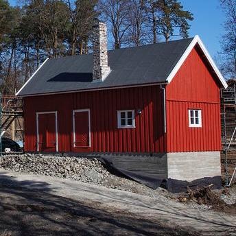 Fjøset Finnmark april. Foto/Photo