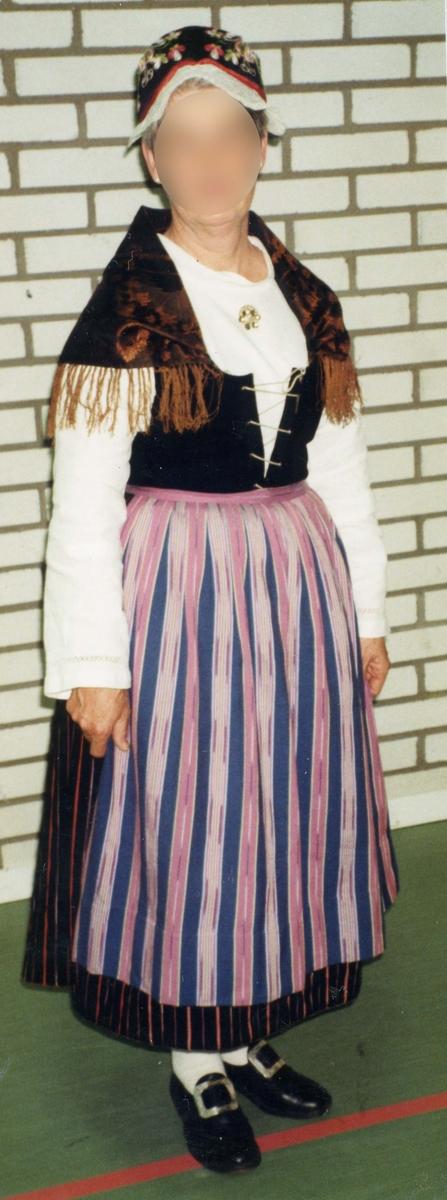 Folkdräkt från Värö i Halland