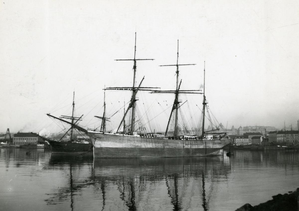 Bark 'Excelsior' (b.1890, Hølens værft (G. Bruun), Hølen, Larvik, Norge)