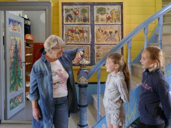 omvisning_for_barn_i_gangen_krympet_og_beskaret.jpg. Foto/Photo