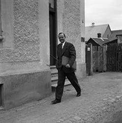 Arboga Tidning, personal. Man, klädd i kavaj och med en por