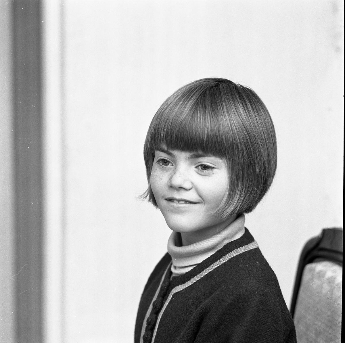 Cecilia Ohlsson, kandidat till Barnens Dagsprinsessan. Porträtt av flicka.