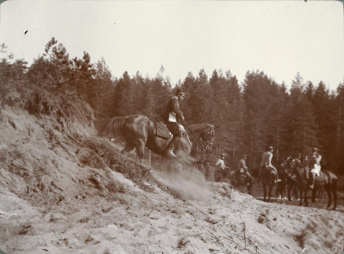 Soldater vid fältövning.