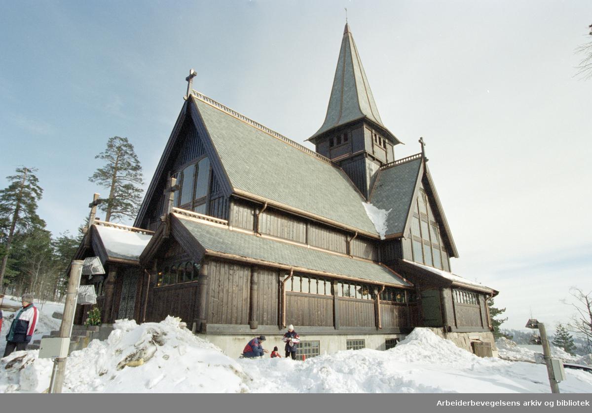 Oslo: Holmenkollen kapell gjenreist etter brann. 3. mars 1996