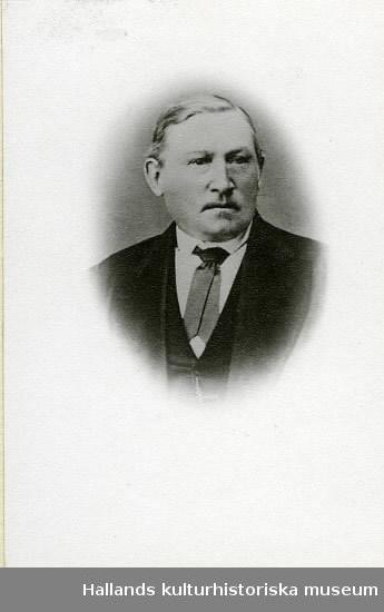 Mansporträtt av källarmästare Börje Pehrsson, anläggare av Restaurang Pehrssonska Trädgården där Domus tidigare låg och Galleria Trädgården numera ligger.