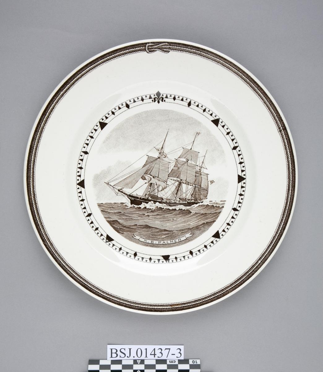 Tallerken med motiv av N. B. PALMER, amerikansk klipper skip