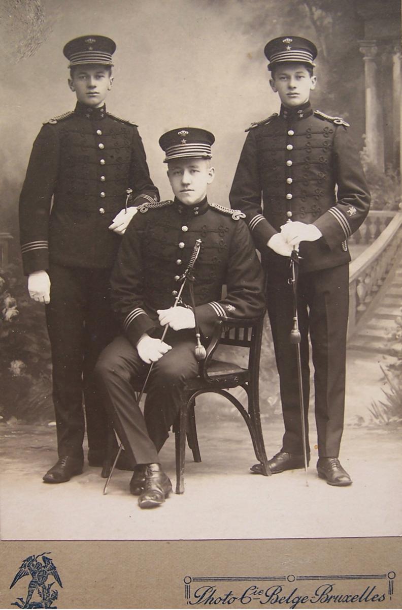 Norsk sekondløytnant med tjeneste i Fristaten Kongo og Belgisk Kongo mellom mars 1908 og 1909.