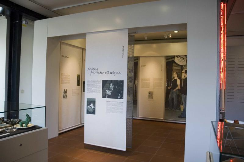 Hotspot utstillingen «Fra status til stigma». 2006.
