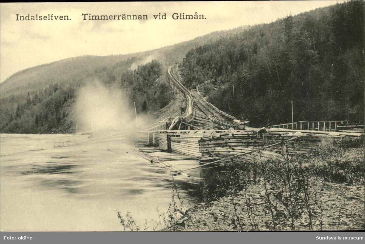 Vykort med motiv över timmerrännan i Glimån.