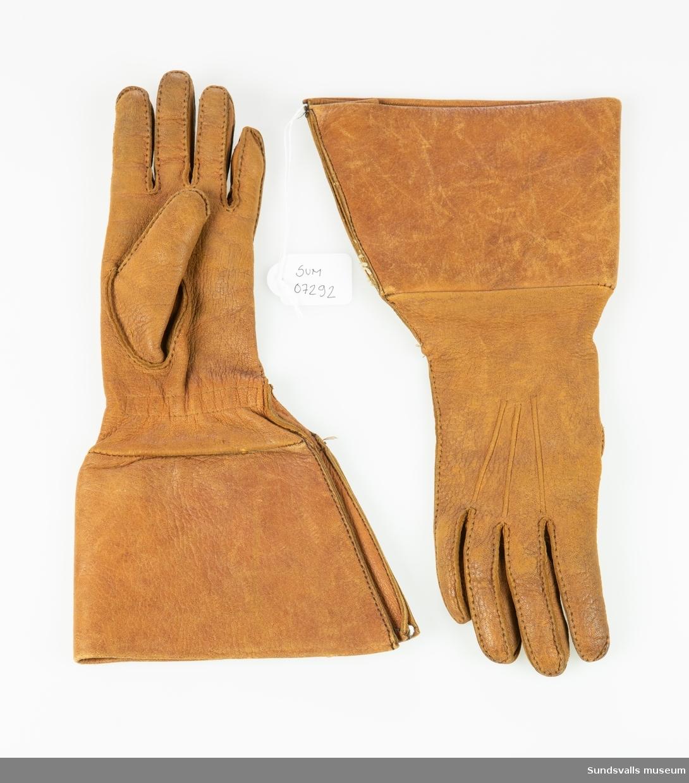 Bruna handskar med krage