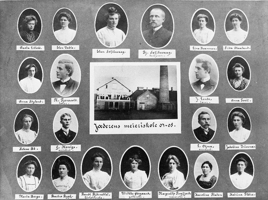 Elevar og lærarar ved Jæren Meieriskole i 1907/1908. Øvste rekkja nr. 2 f.v. er Elen Vadla g. m. Peter A. Solberg, meieristyrar frå 1911 - 1919.
