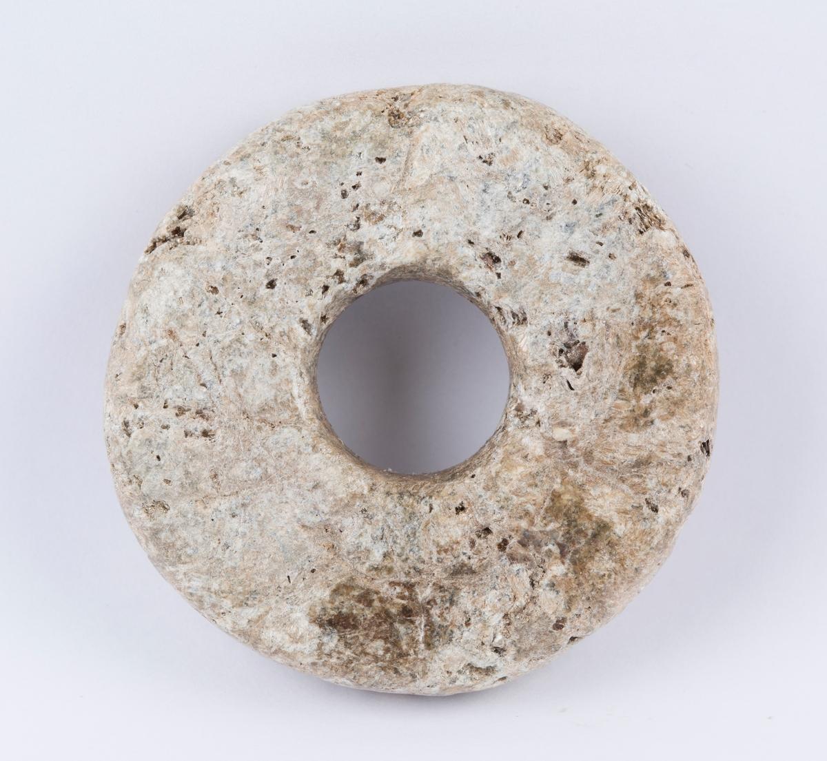 Snellehjul til håndtein med ukjent funnsted. Kan stamme fra middelalderen.