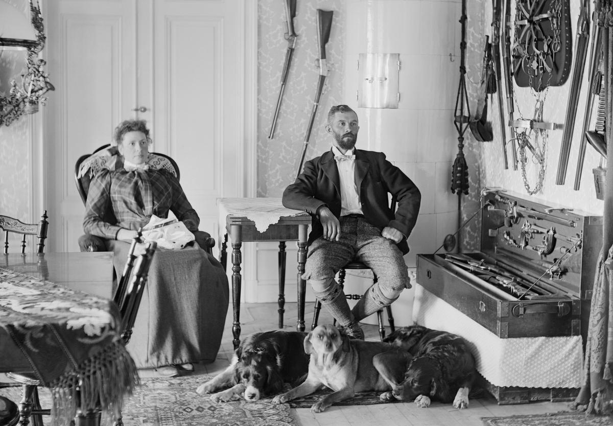 Under ett par år runt förra sekelskiftet var förre sjökapten Allan Lindhé och hustrun Hanna Dahlgren hyresgäster i Ramsdal, Sankt Anna.