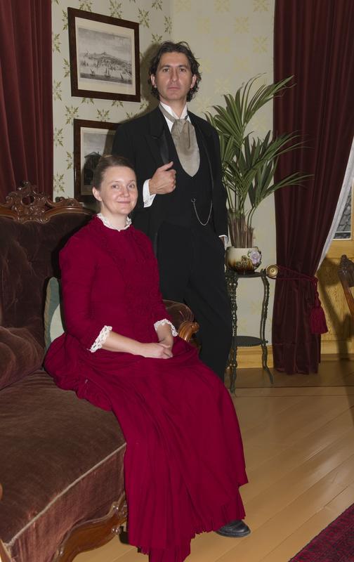 Nora og Torvald Helmer i sitt «Dukkehjem» (Foto/Photo)
