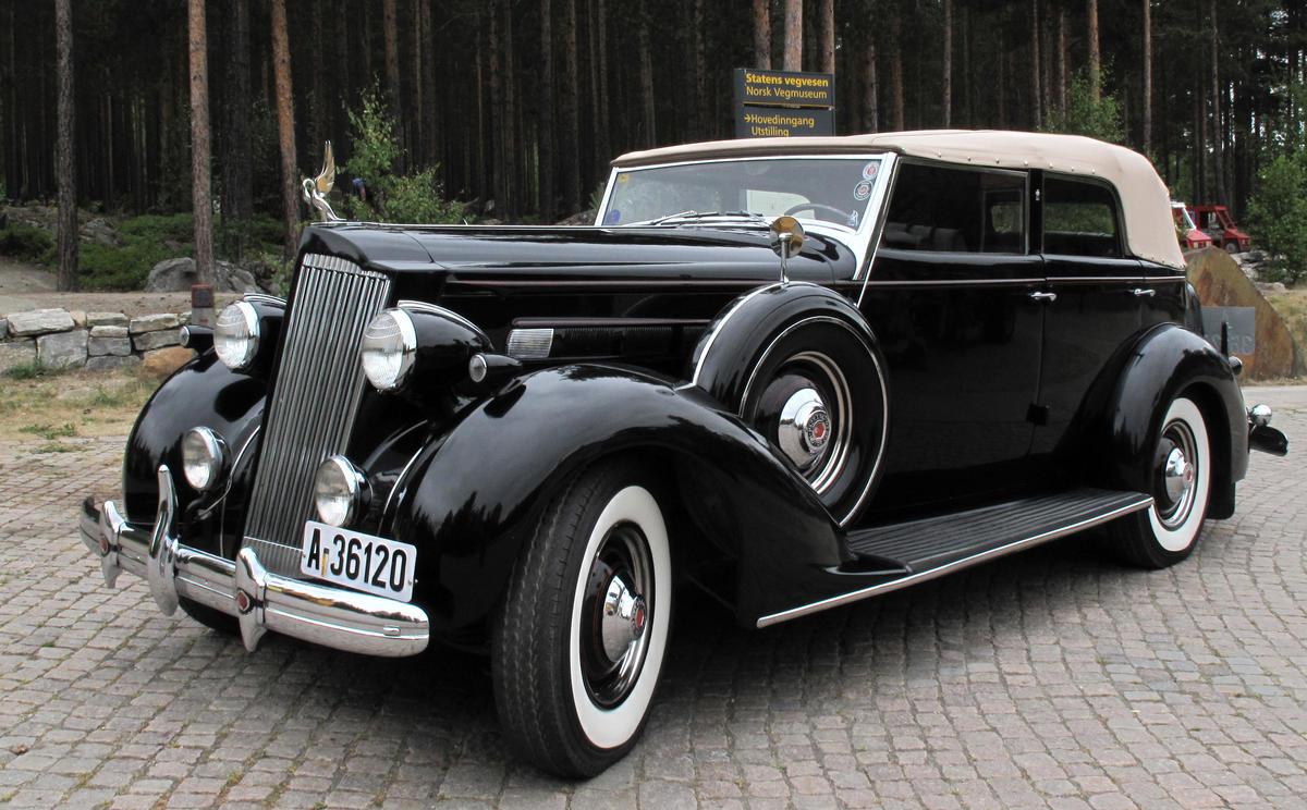 Packard Sedan Convertible  (1936). Innkjøpt av venneforeningen. Foto: Ole A. Flatmark/Norsk vegmuseum (Foto/Photo)