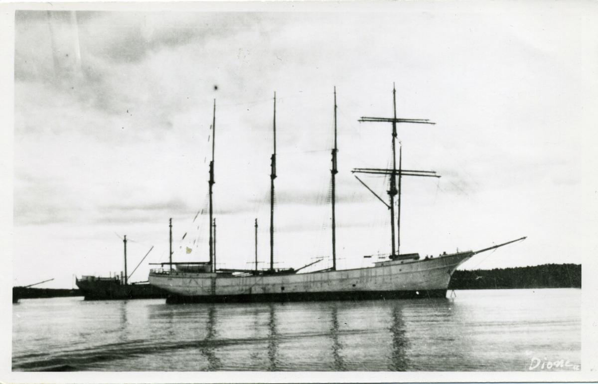 4-mastade skonertskeppet Dione ägdes av Gustaf Erikson 1934-1939.