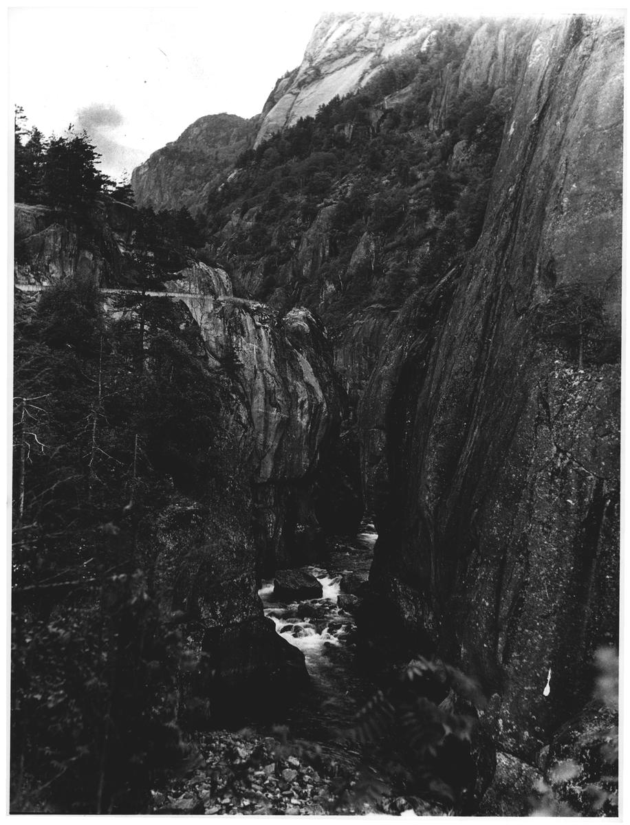 Brattlandsdalen (Suldal - Røldal)