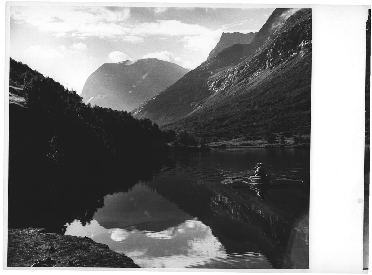 Innerdalsvann m/ Storsalen. Møre