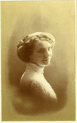 Margit Hval (f.1888 i Kristiania)