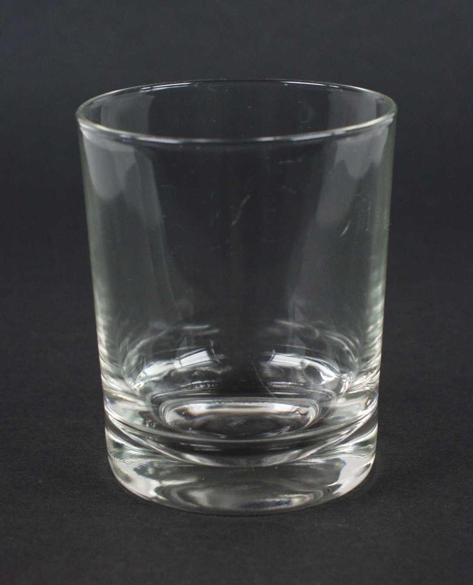 Tykkbunnet whiskyglass.