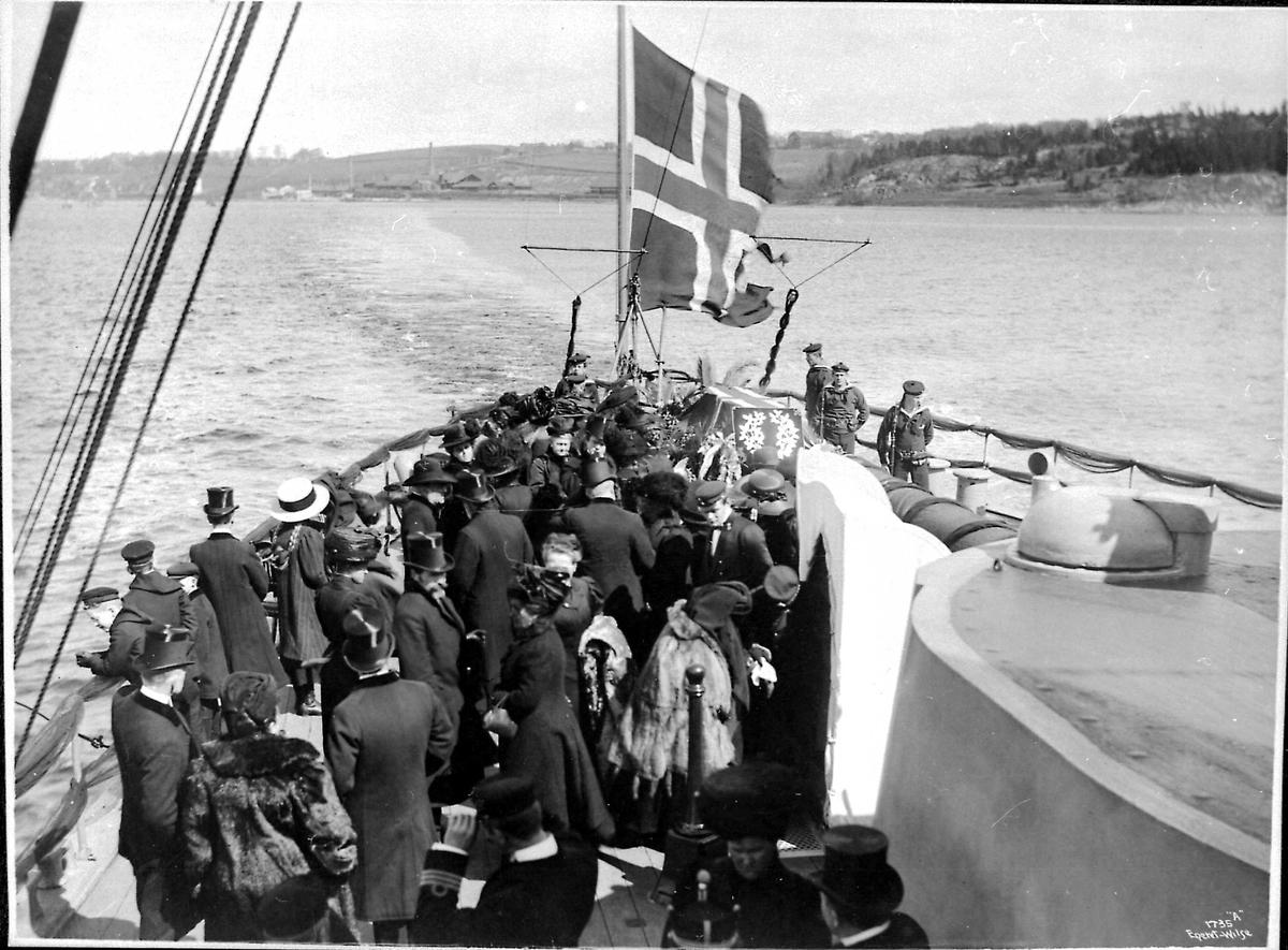 Panserskip, Norge, flagg, båre