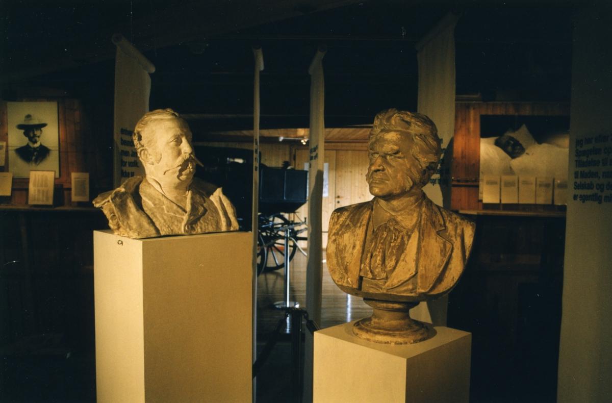 DOK:1999, Alexander L. Kielland 150 år, sommerutstilling, byste,
