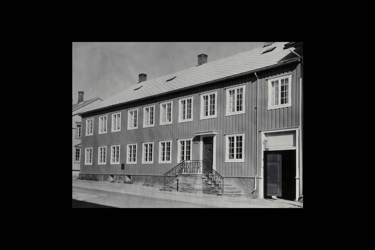 eksteriør, postkontor, 7460 Røros, innstikkpostkasse