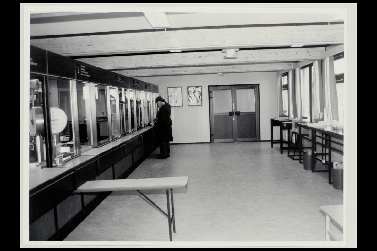 interiør, postkontor, 9800 Vadsø, publikumshall, kune