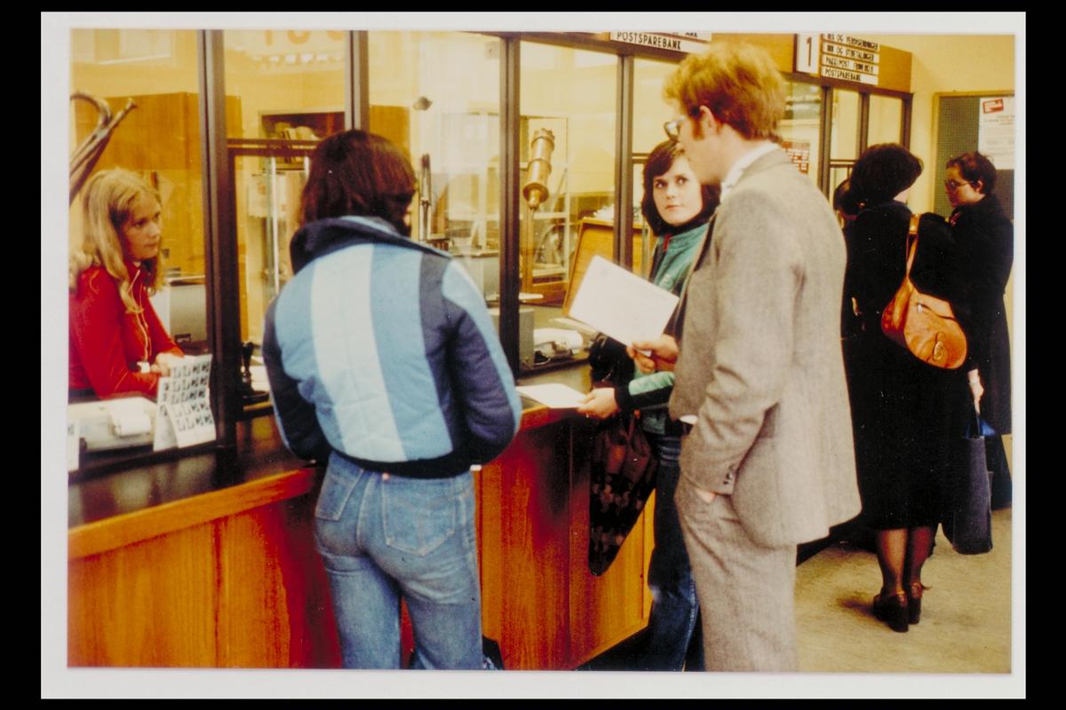 interiør, postkontor, 0616 Haugerud, ekspedisjon, frimerkeutgivelse, kunder