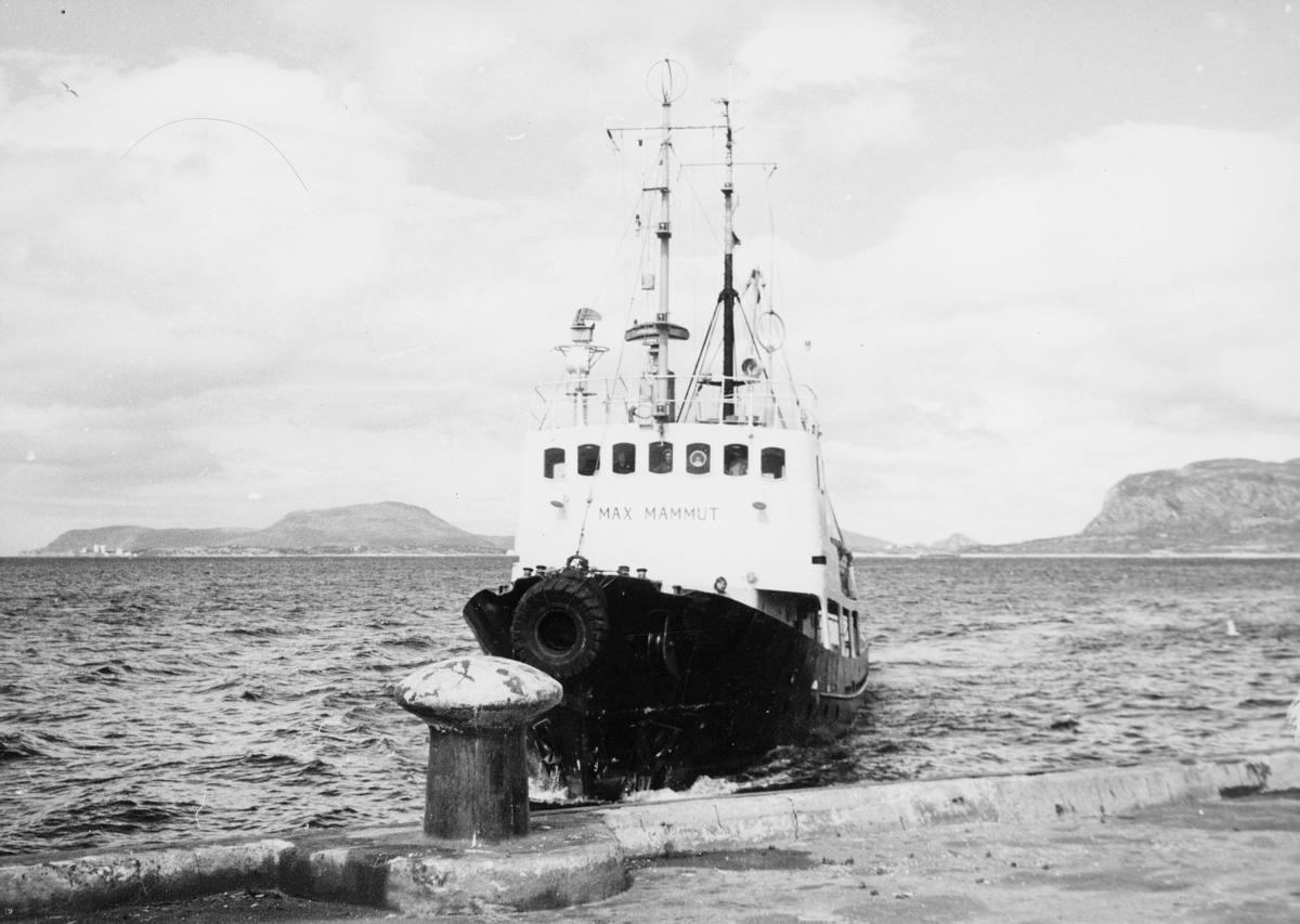 transport båt, eksteriør, Max Mammut, ved kai