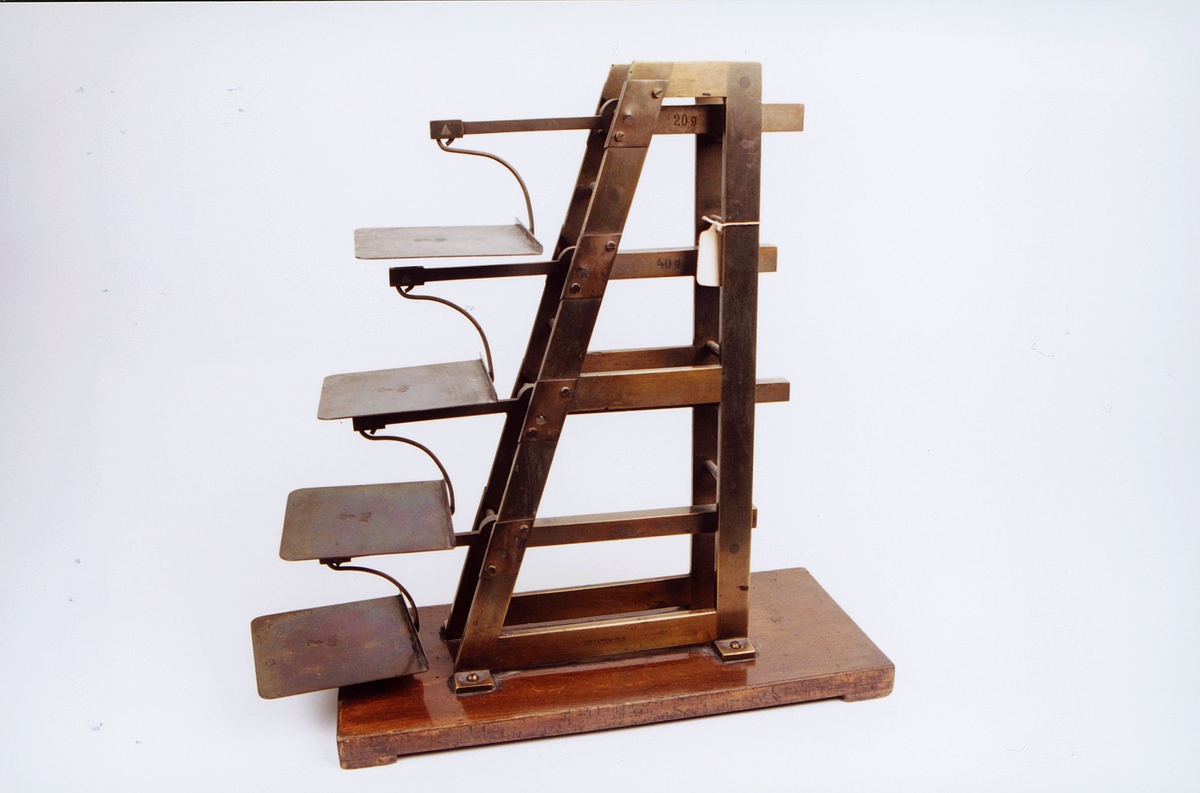 postmuseet, gjenstander, vekt, brevvekt, trappevekt