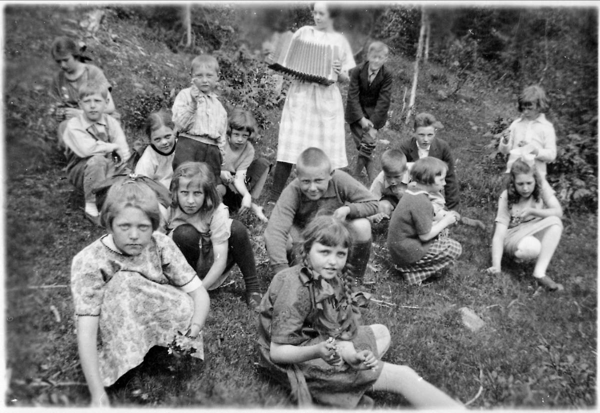Barn, skoleutflukt, Gudrun Ørns skole