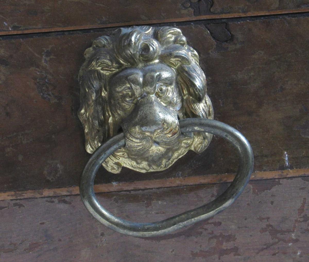 Løvemasker i hankering
