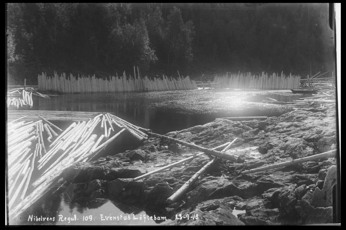 Arendal Fossekompani i begynnelsen av 1900-tallet CD merket 0474, Bilde: 97 Sted: Evenstad løftedam Beskrivelse: Damanlegget